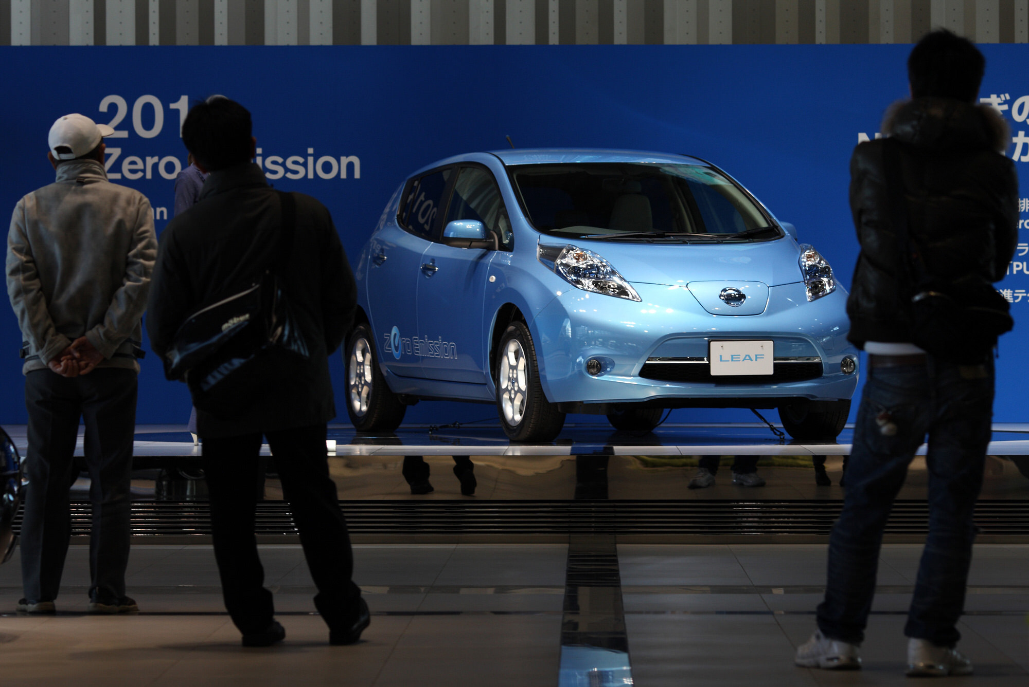news s annual electric nissan u car home vehicle wire sales en again leaf sets record business