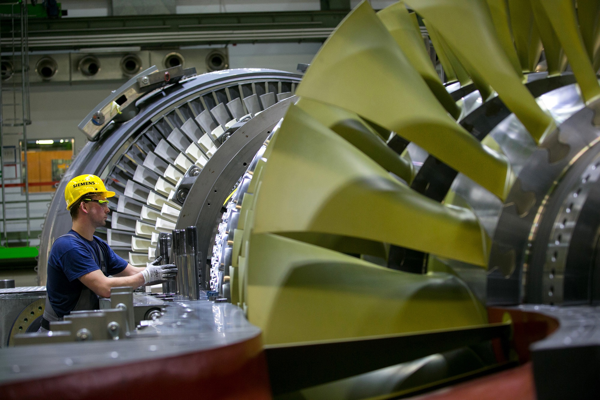 Siemens Plans Thousands of Job Cuts Over Two Divisions