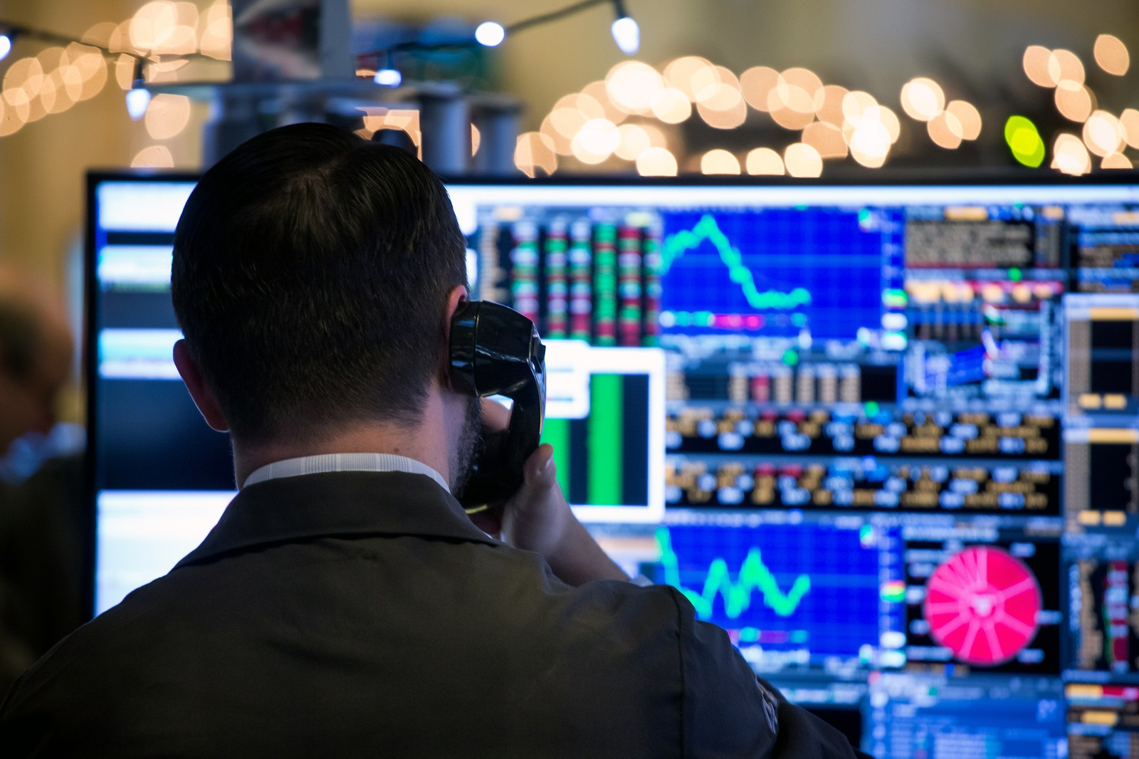 Leveraging algorithms in all aspects of forex trading: in