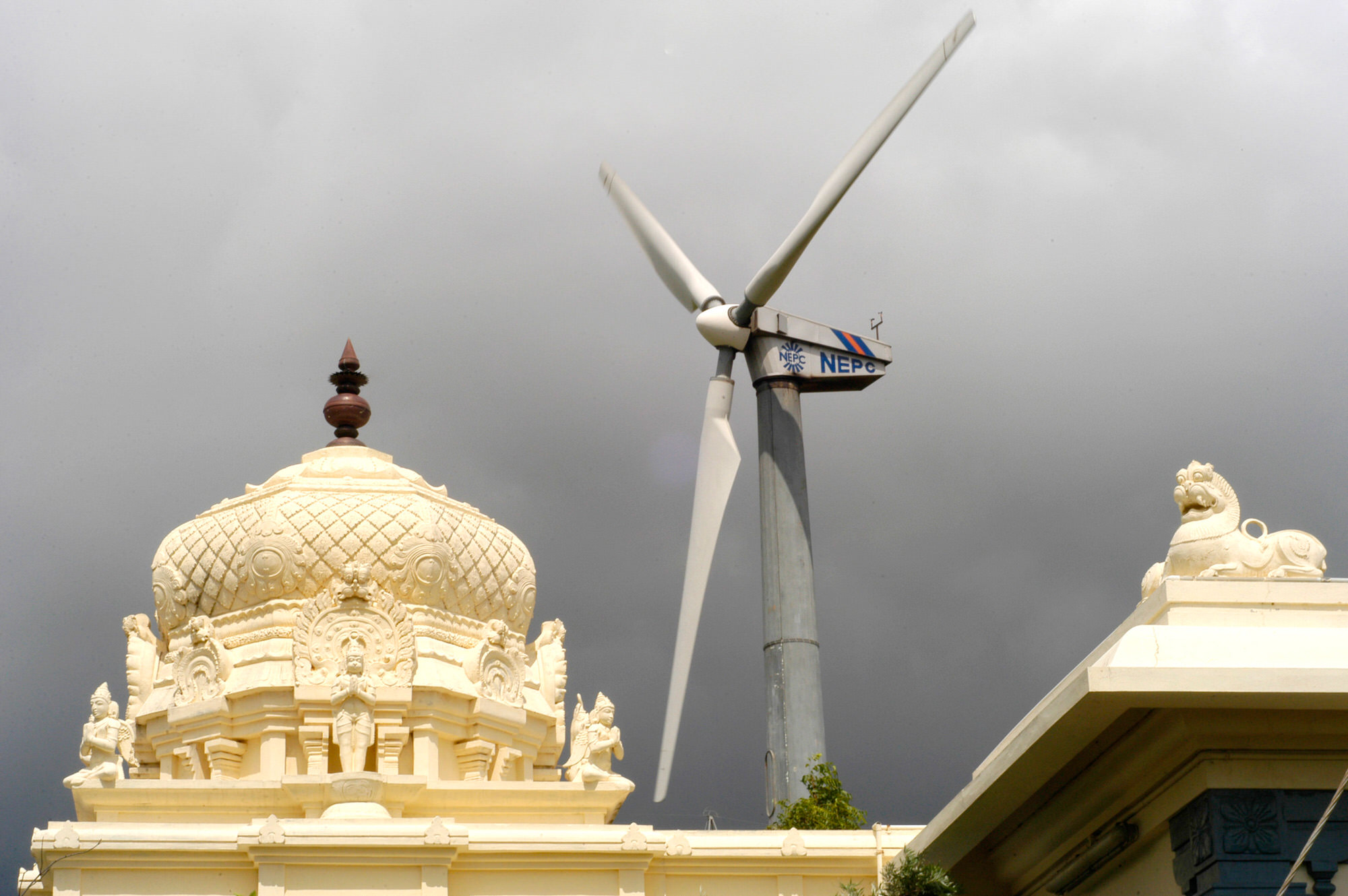 Suzlon Climbs as India Sets More Ambitious Wind Energy