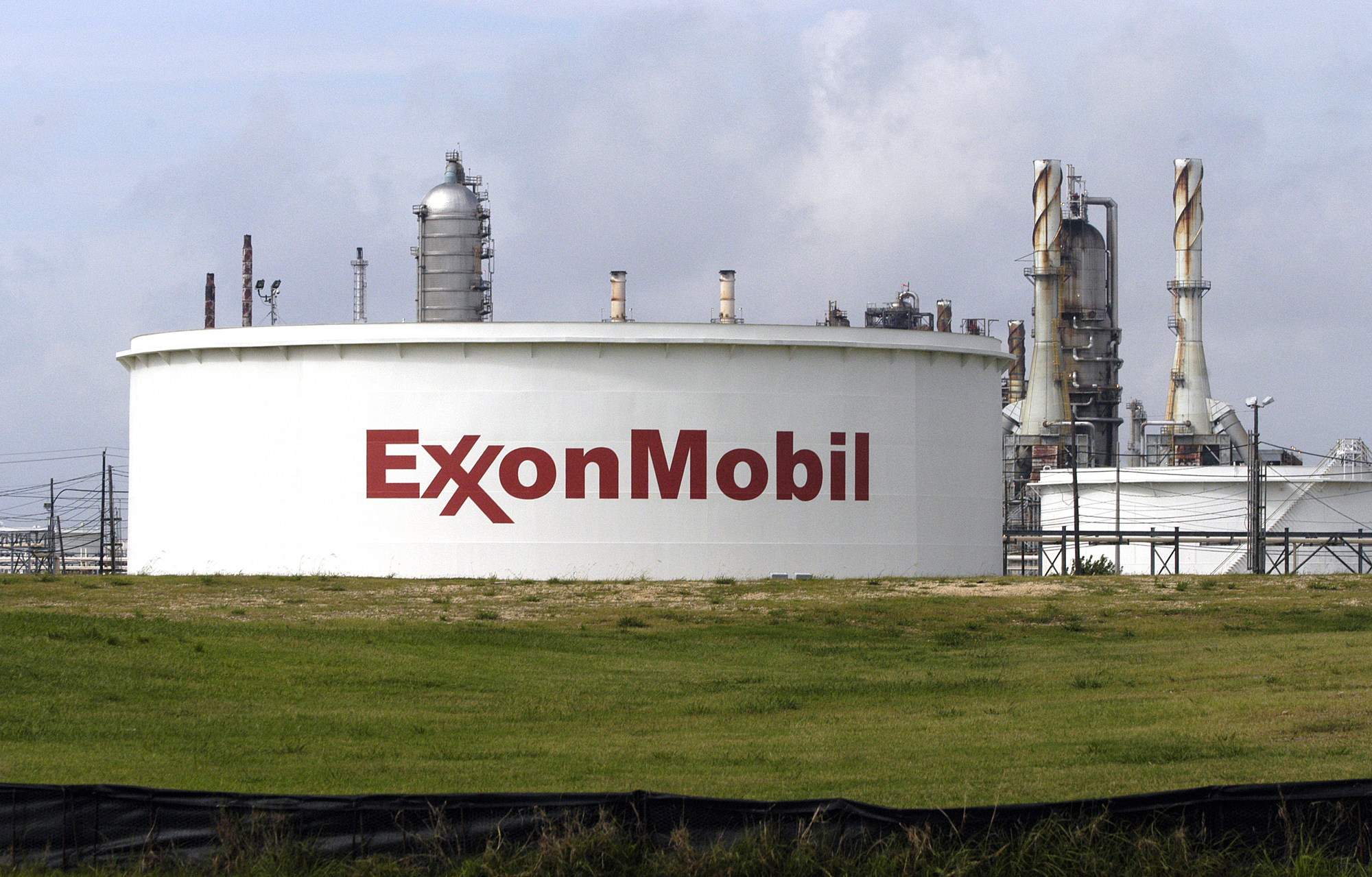 Exxon Mobil's Futuristic FuelCell Carbon Capture Just Might